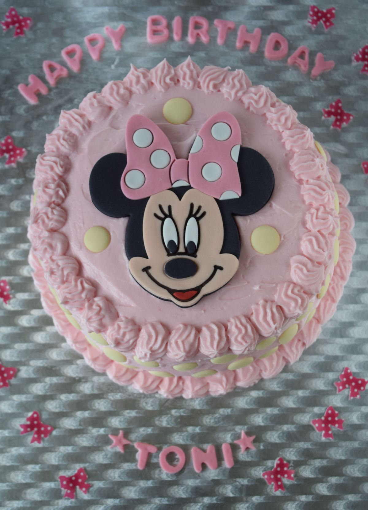 4 year Minnie Mouse cake
